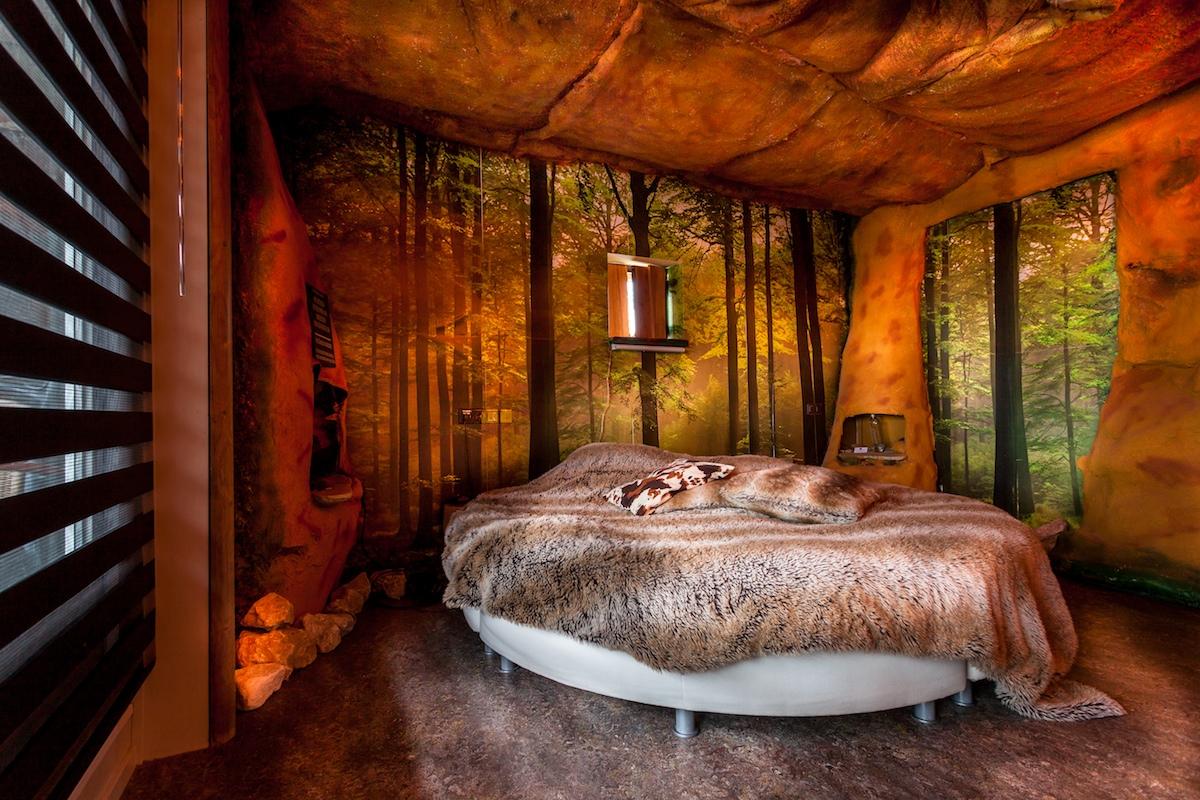 Übernachten in einem Hünenbett!