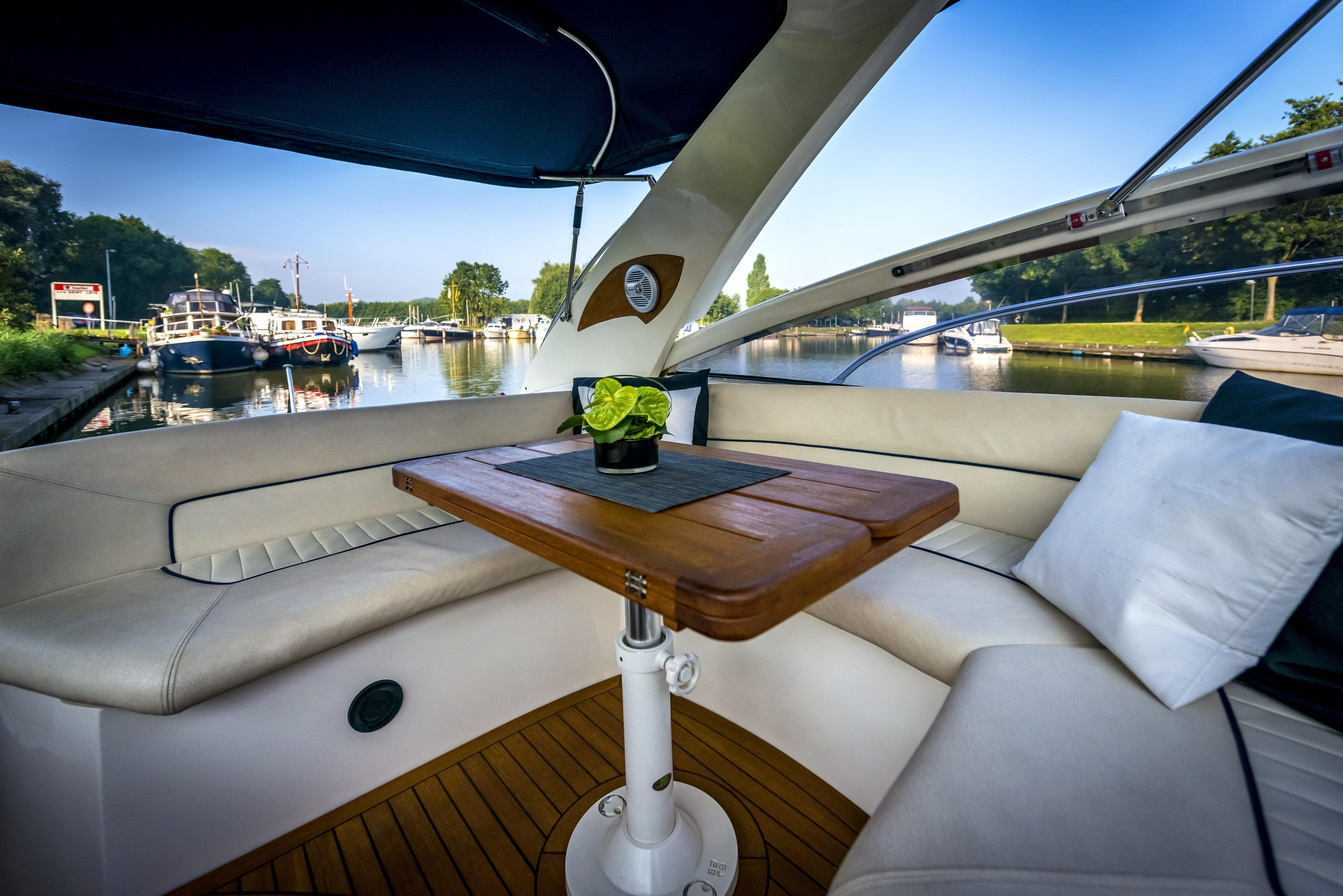 Luxus und Romantik bei einer Cruise mit Übernachtung!